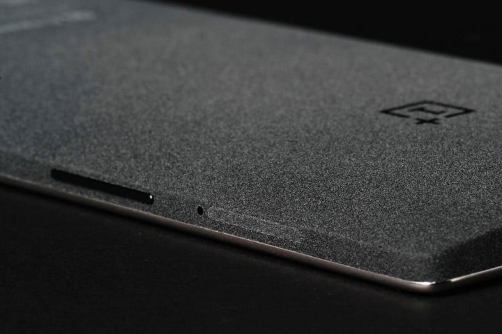 oneplus one review plus  back angle