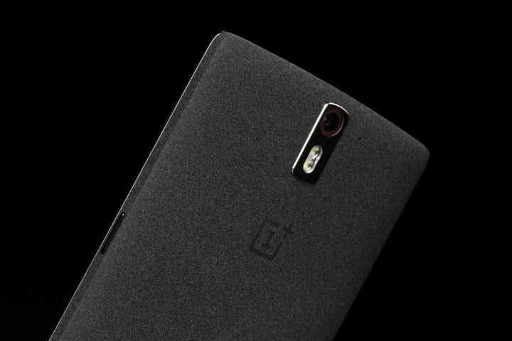 oneplus one review plus  top back angle
