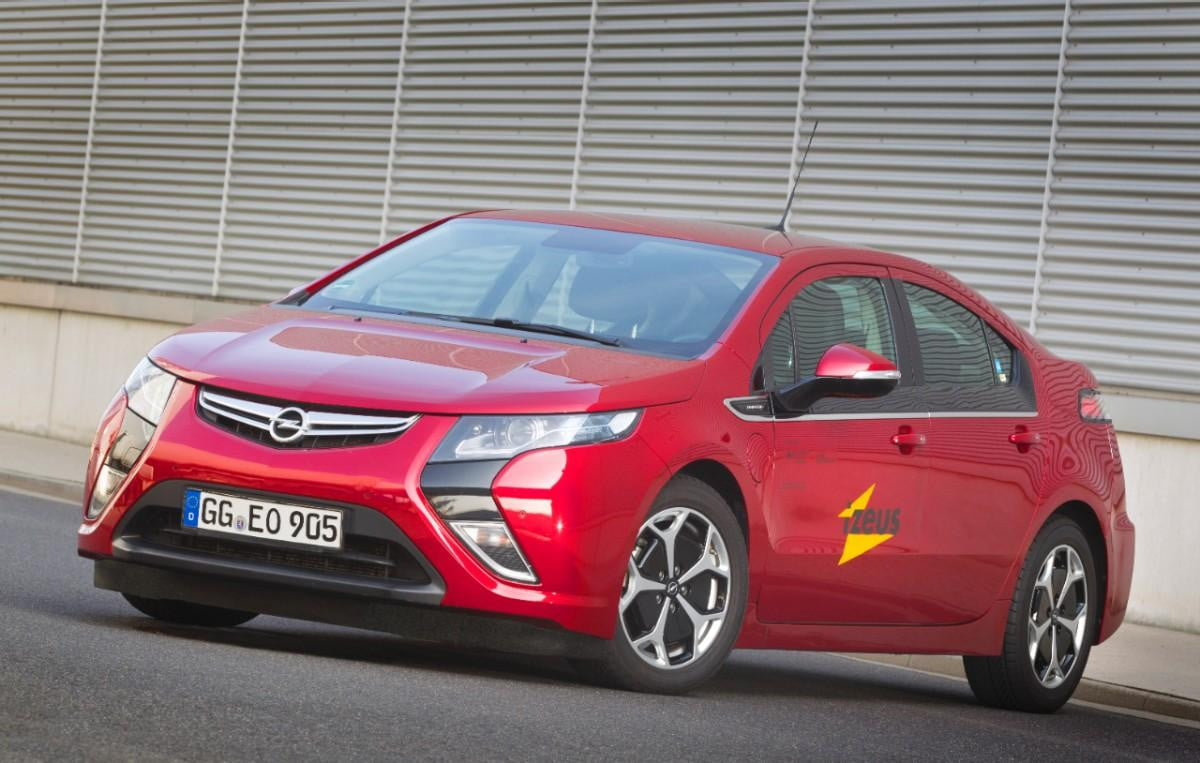 get smart the opel amperas new sat nav calculates most efficient routes ampera  medium