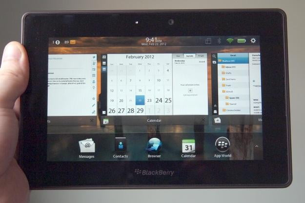 BlackBerry PlayBook OS 2.0 - Holding