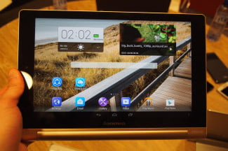 Lenovo Yoga Tablet 10 HD+ front