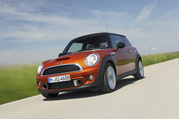 Mini Cooper S front three quarter motion