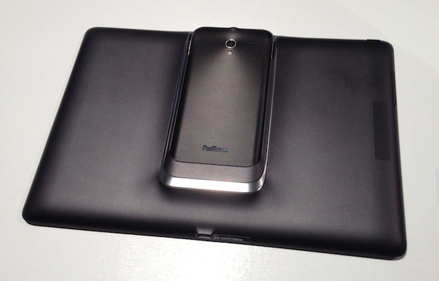 Padfone 2 Hands-on Back