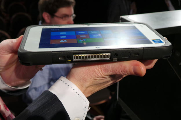 Panasonic-FZ-M1-toughpad-side-ces-2014