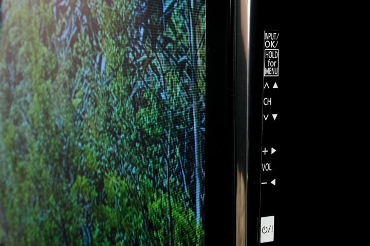 panasonic viera tc p  st review back controls front