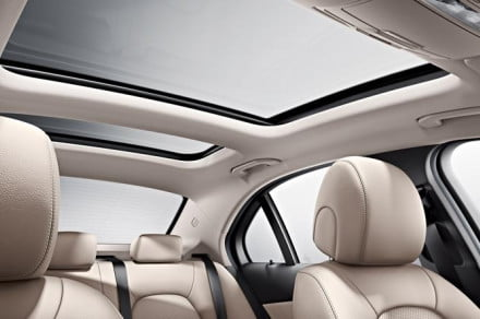 Mercedes panoramic roof