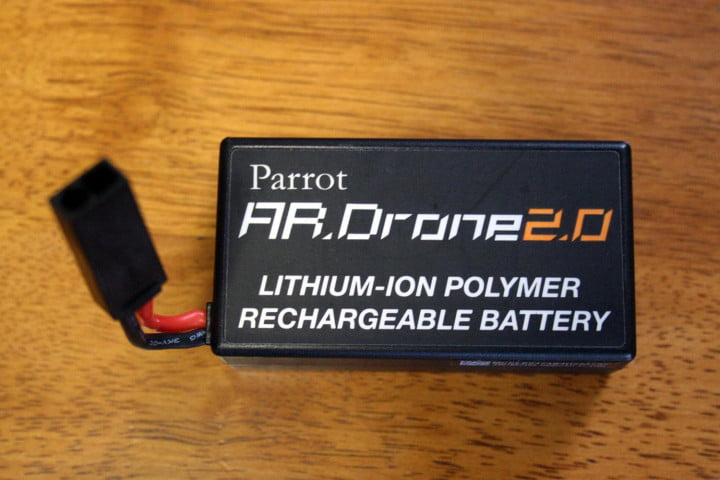 hands on parrot ar drone  elite edition parrpot battery