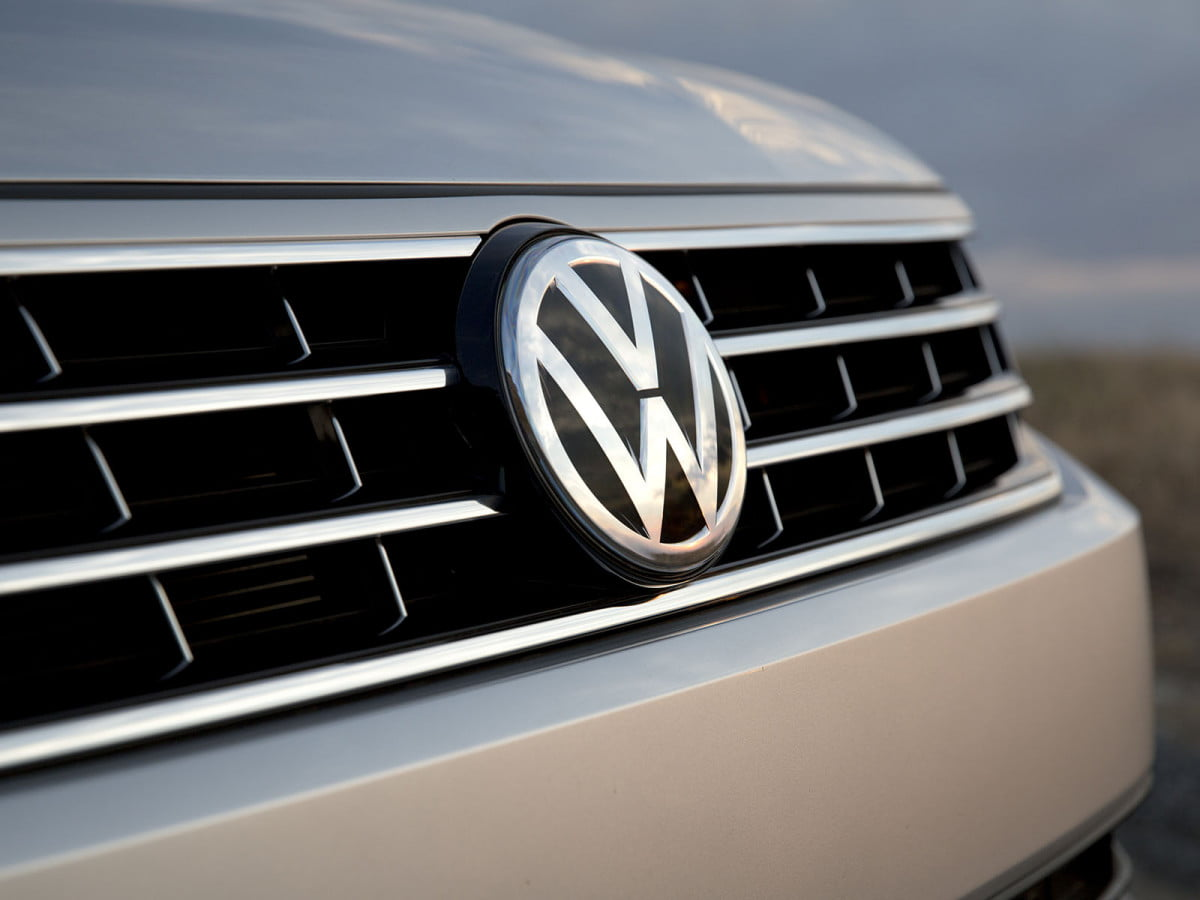 volkswagen drops das auto slogan because of diesel scandal  passat