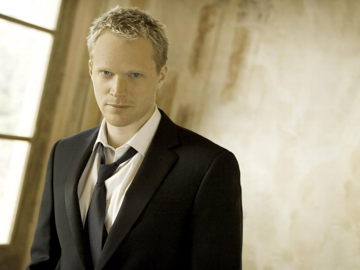 avengers age ultron adds familiar voice vision paul bettany