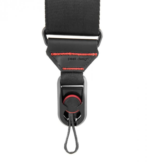 Peak Design's Anchor Link system fits allows for easy connecting and disconnecting of the strap.