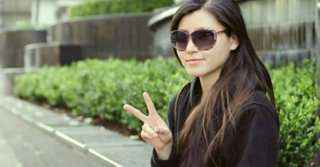 Careful Your Peace Sign Selfie May Lead To Identity Theft