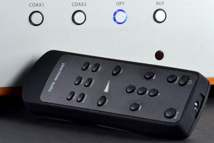 peachtree audio decco  review amplifier remote
