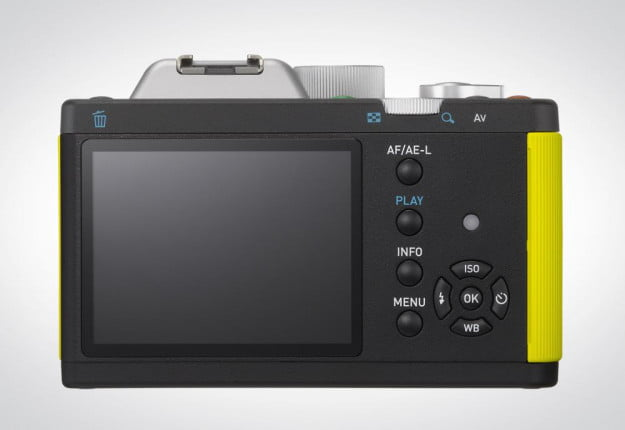 Pentax K 01 review back lcd screen controls
