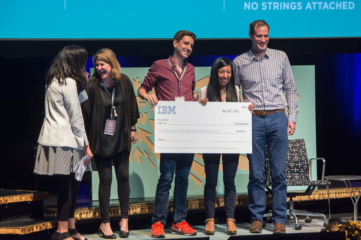Poda Foods founders Yesenia Gallardo and and Kenny Cloft (center) accept a PitchfestNW grand prize from Portland Development Commission's Jared Wiener (right)