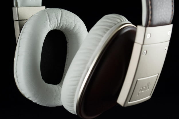 Polk-Buckle-earpad1