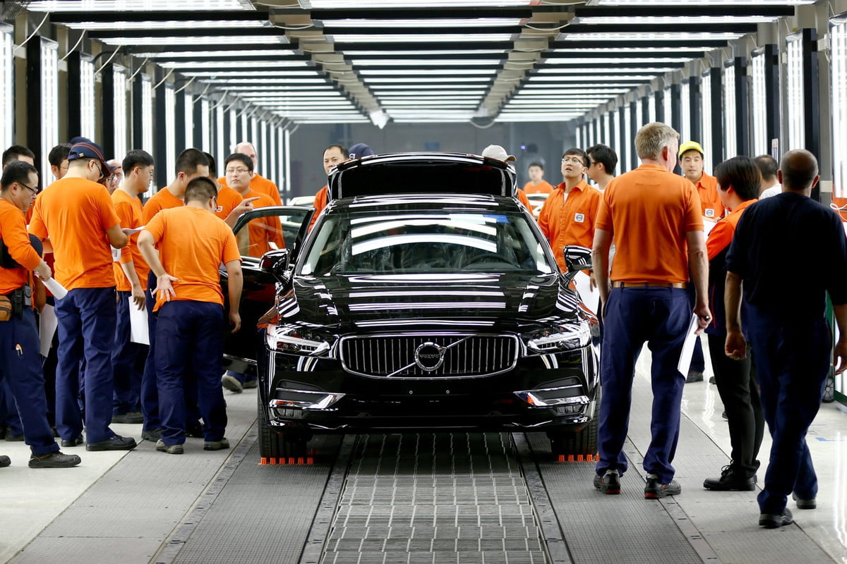 volvo will build more cars in china s  pilot production daqing