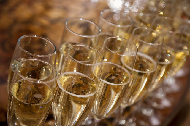 does champagne really prevent memory loss pro tips on how to serve  enjoy