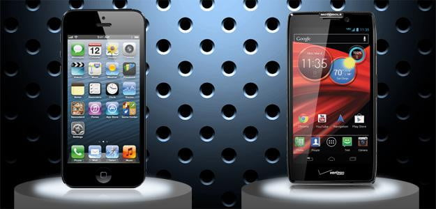 iPhone 5 vs. Motorola RAZR Maxx HD