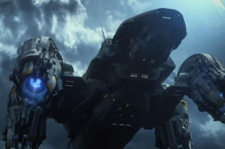 Prometheus-opens-up-the-story-in-the-newest-international-trailer