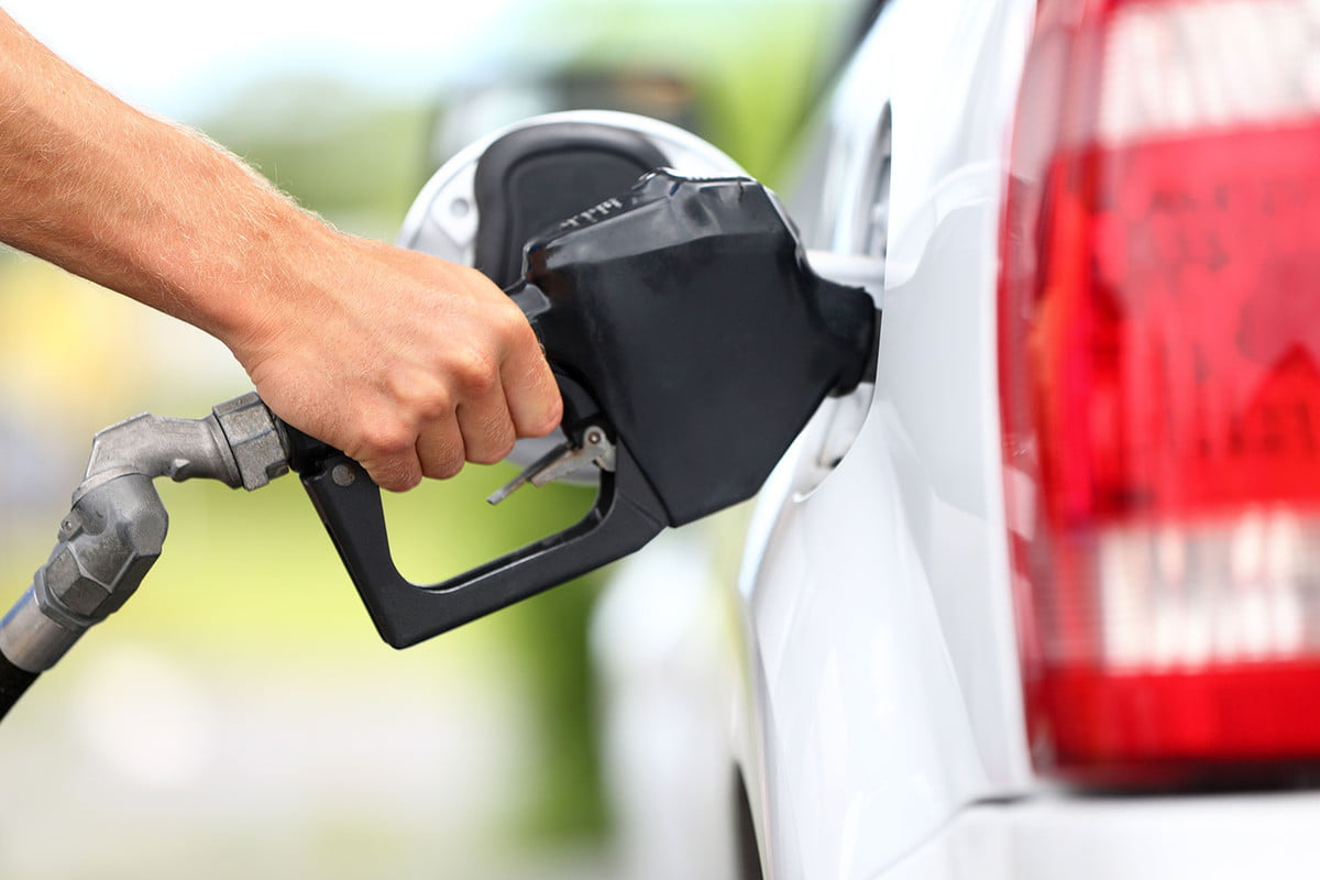 automakers lobby trump emissions rules pumping gas need premium