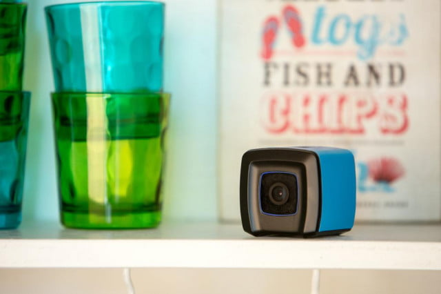 quebee brainer camcorder wants stay picture on shelf high