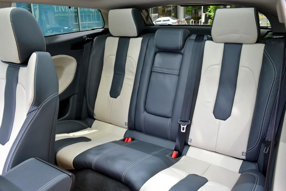 Rang Rover Evoque back seats interior
