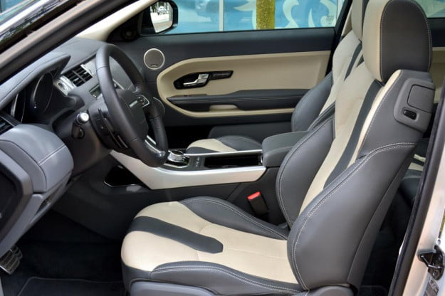 Rang Rover Evoque front seats left side
