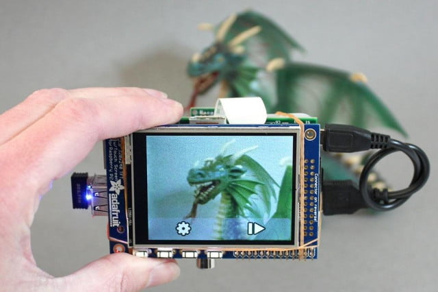 make your own digital camera with touchscreen using raspberry pi cam