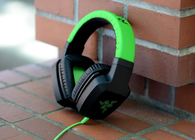 razer electra review headphones angle