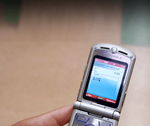 What's old is new: Moto may revive the most popular flip phone ever made