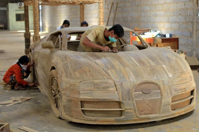 found groots car bugatti veyron recreated  scale completely wood replica