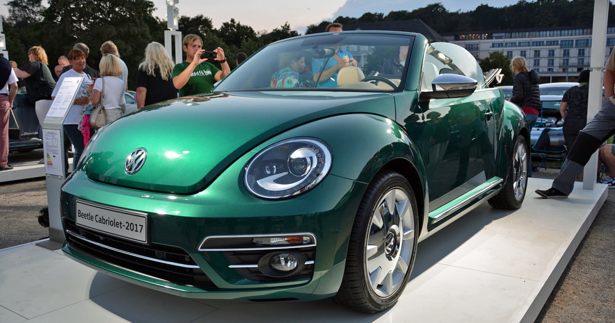 2017 volkswagen beetle news specs pictures digital trends. Black Bedroom Furniture Sets. Home Design Ideas