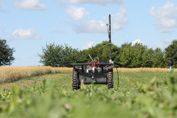 future of food introduction robot farming agriculture