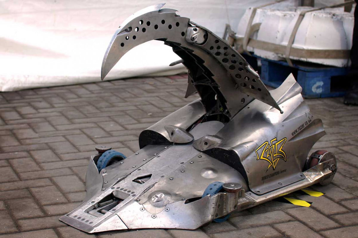 bbc plans to reboot robot wars in  razer