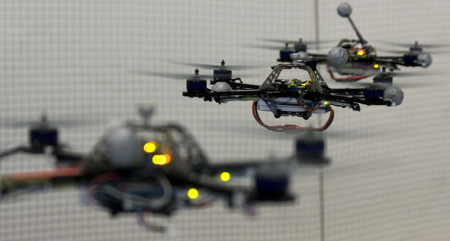 robots_three_quadrocopters