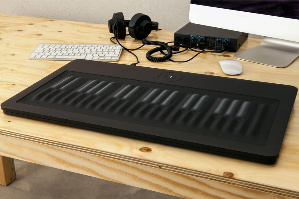 Keyless digital piano unveiled
