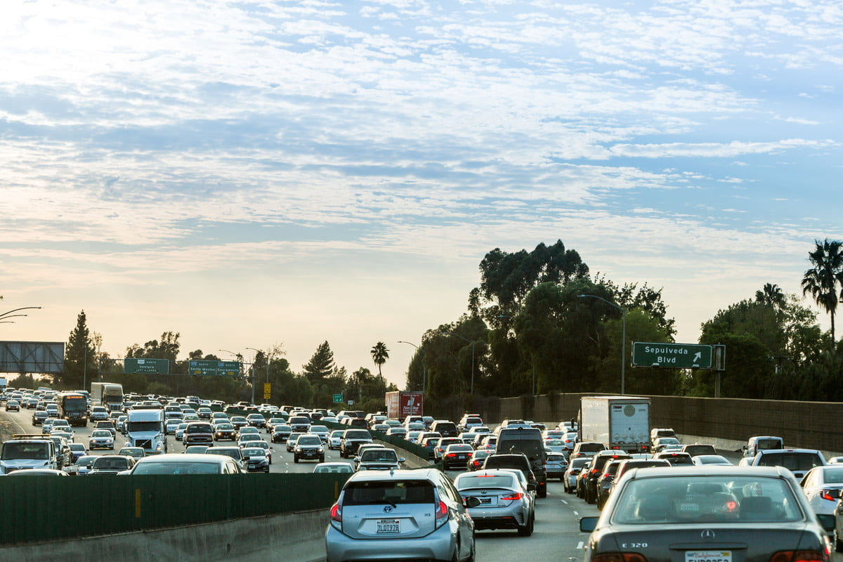 automaker lobby wants emissions fuel consumption relief trump route  california ventura highway
