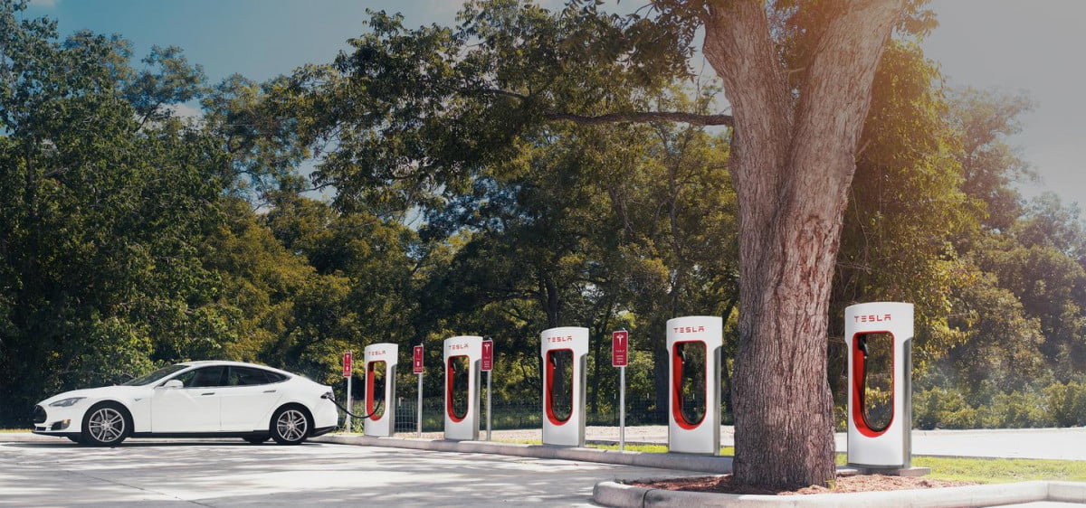 tesla sends supercharging station abuse letter supercharger