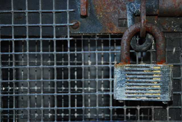 mongodb database ransom rusty padlock