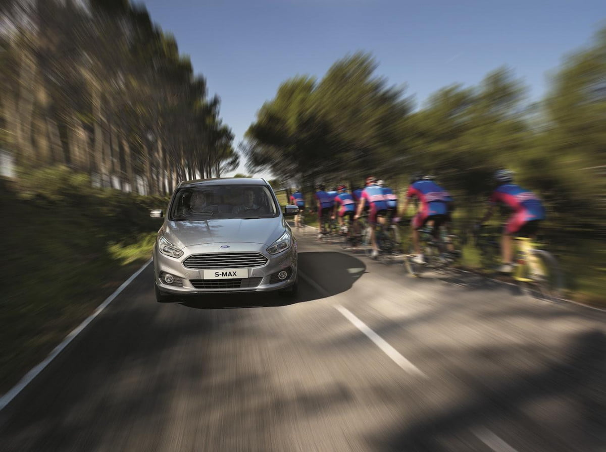 ford s max introduces roadsign reading speed limiter intelligent