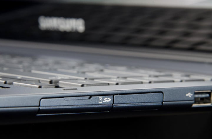 samsung ativ book  review sd card slot