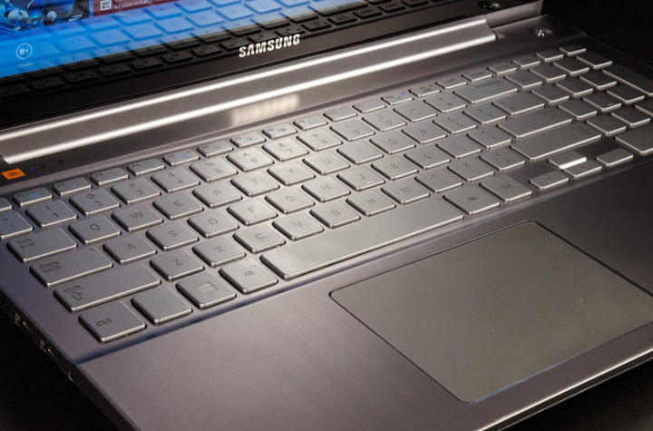 samsung ativ book  review chronos macro keyboard touchpad