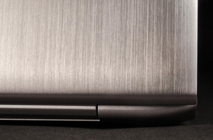 samsung ativ book  review chronos macro rear lid