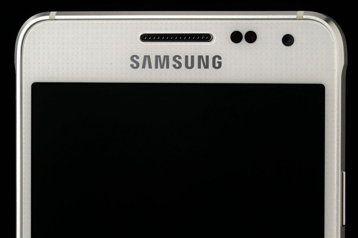 samsung forecasts massive drop profits galaxy alpha front top