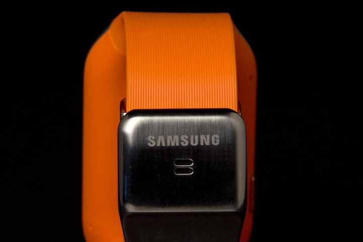 samsung galaxy gear review smartwatch rear clasp macro