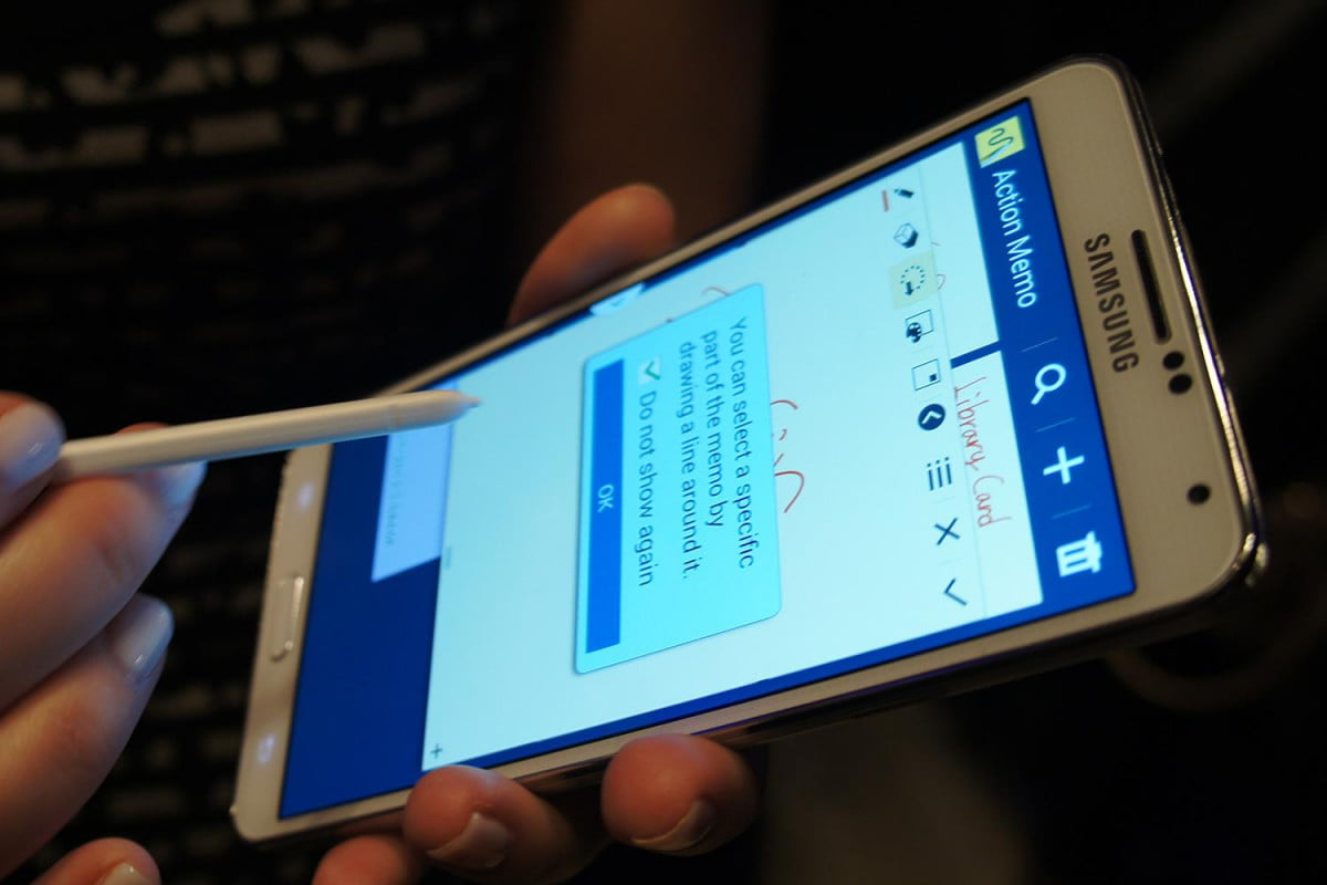 Samsung Galaxy Note 3 Hands On Action Memo