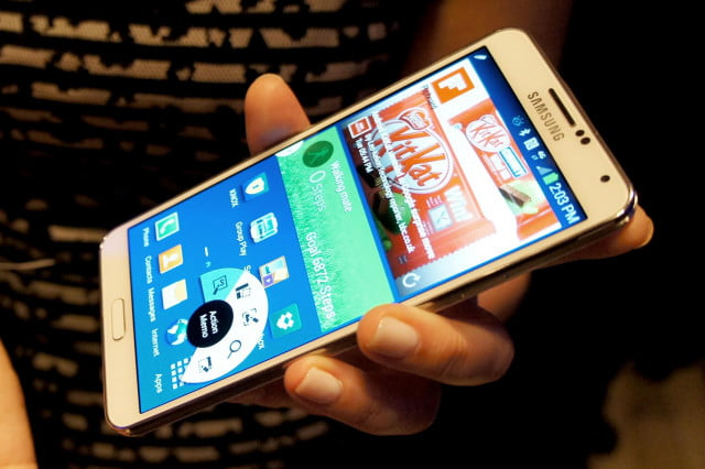 samsung galaxy note  features hands on walking mate app