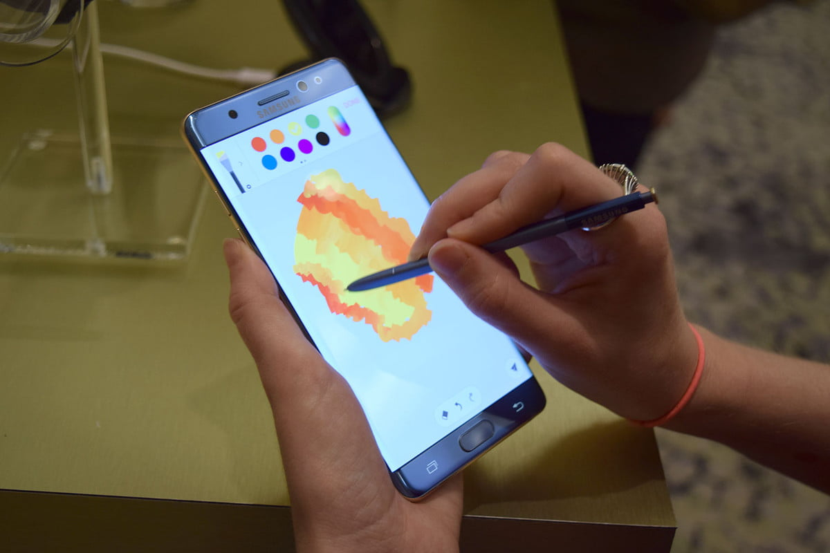 five reasons to buy the galaxy note  samsung
