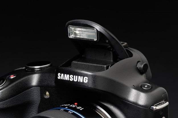 Samsung Galaxy NX flash