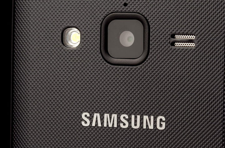samsung galaxy rugby pro review back camera closeup